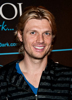 02/04/2012 - Nick Carter Visits The Pool