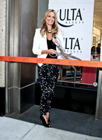 05/31/2013 - Molly Sims Celebrates the Grand Opening of The Ulta Beauty Store
