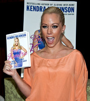 09/21/2011 - Kendra Wilkinson Book Signing