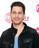 04/08/2014 - Andy Grammer Visits Mix 106