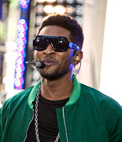 "05/18/2012 - Usher Performs on NBC's ""Today"" Show"