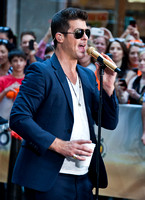 "07/30/2013 - Robin Thicke Performs on ""Today"" Show"