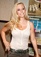 "08/31/2010 - Kendra Wilkinson ""Sliding into Home"" Book Signing"